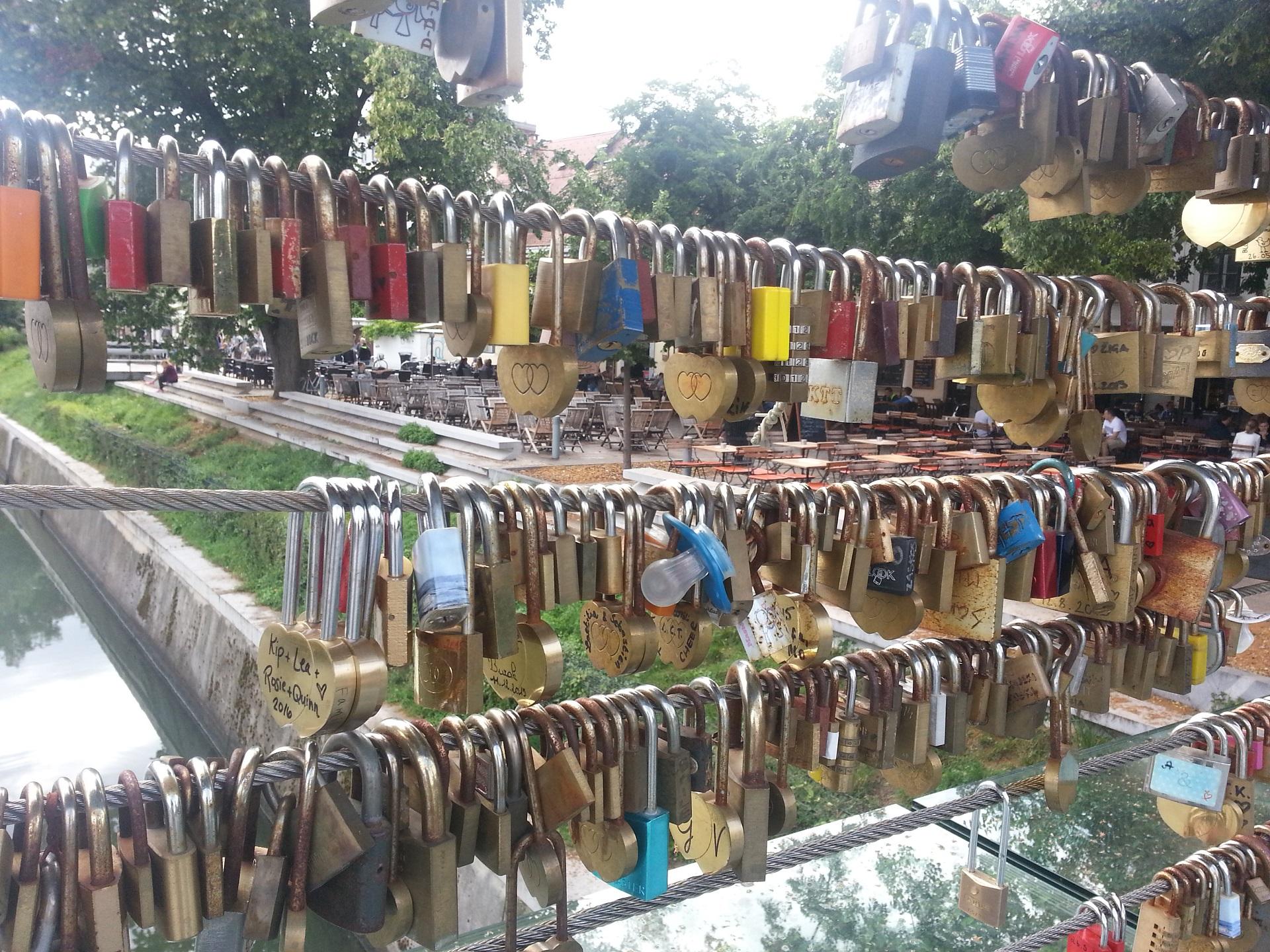 Zámky na mostě v Lublani