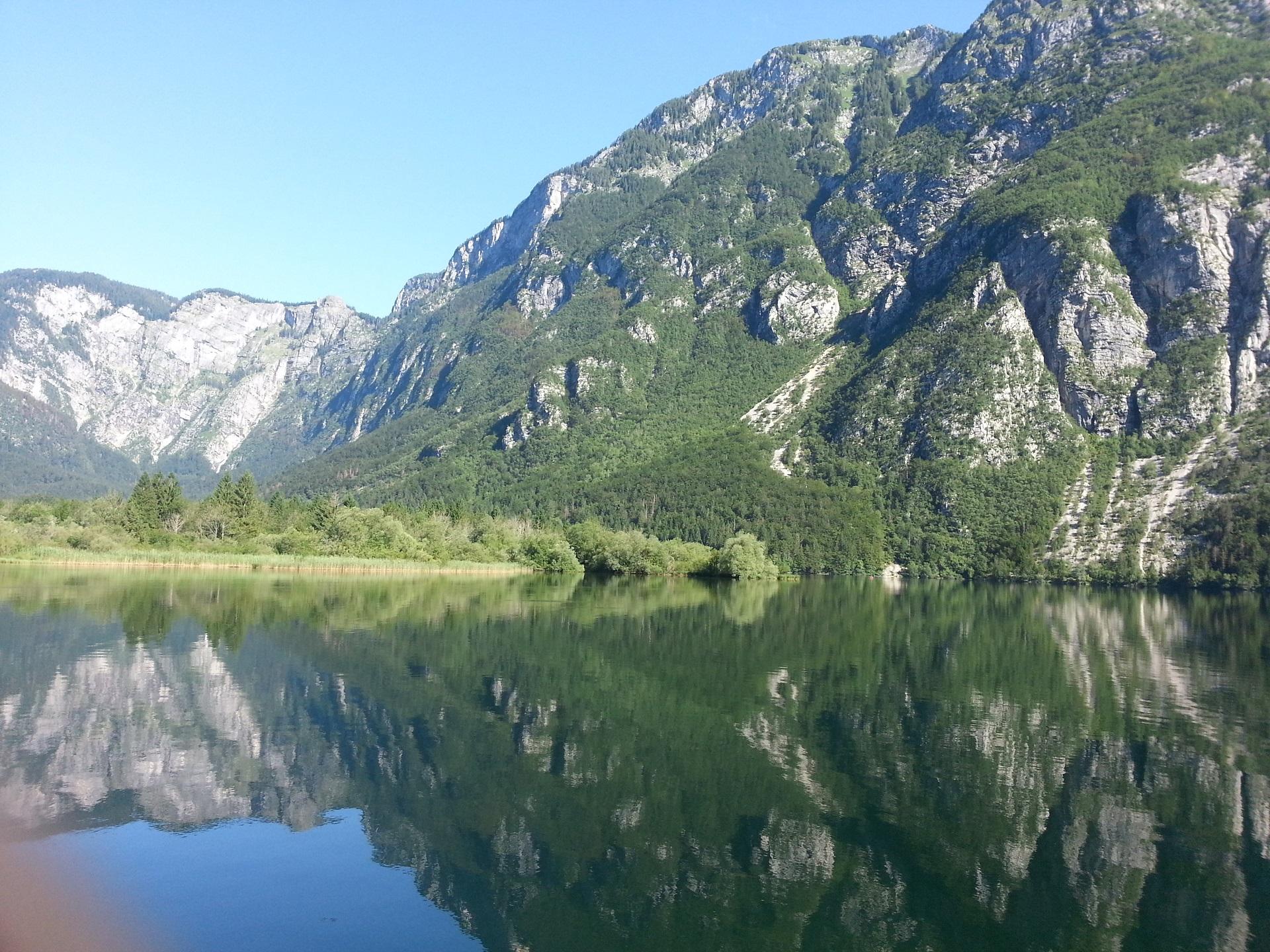 Bohinjské jezero v Julských Alpách