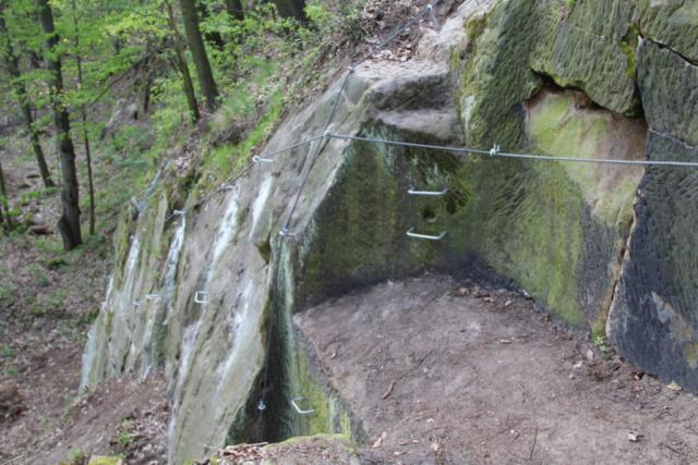 Pohled na levé nástupy ferraty Pustevna