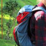 26 litrový batoh Deuter na zádech