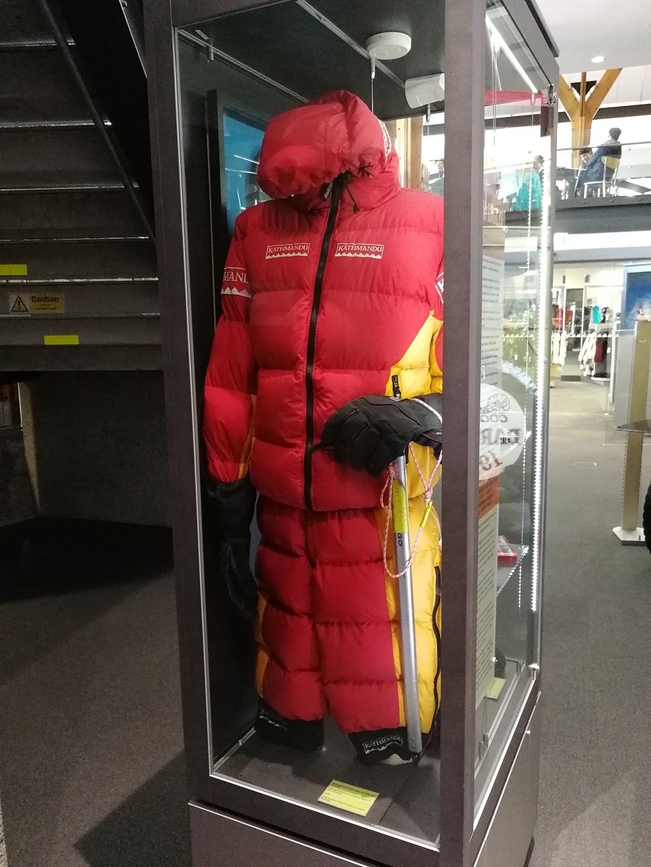 Kombinéza Marka Inglise upravená pro výstup na Mount Everest