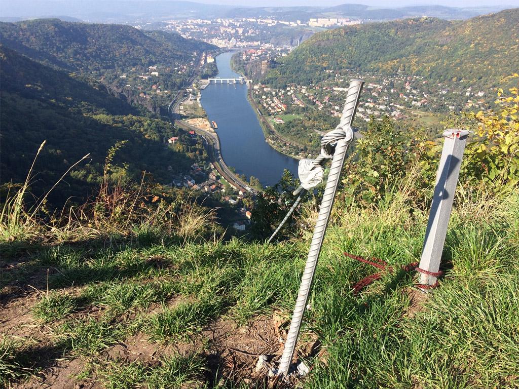 Konec ferraty Lužická spojka s výhledem na Labské údolí a Ústí nad Labem