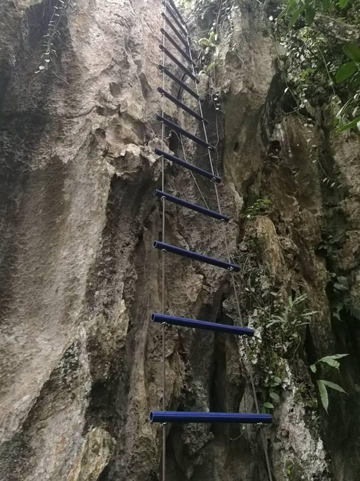 Žebřík na ferratě Paya Gunung v Malsjii