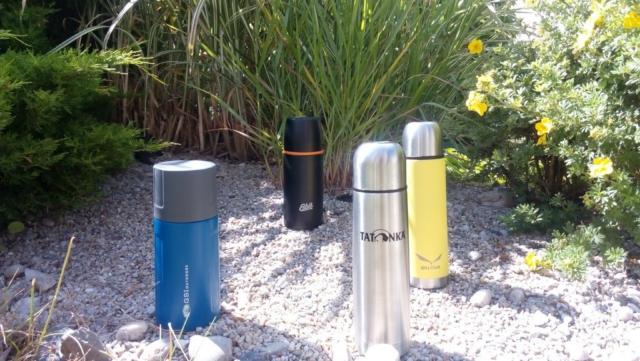 Porovnání barev a velikostí termosek značek Esbit, GSI, Tatonka a Salewa