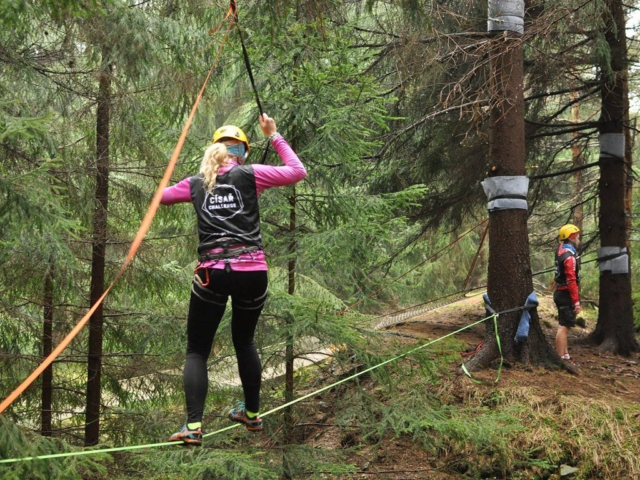 Disciplína lanové překážky